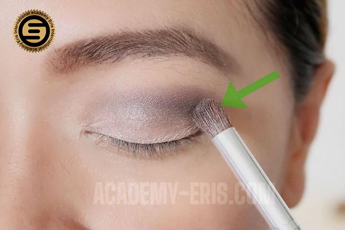 آرایش طبیعی برای چشم های قهوهای
